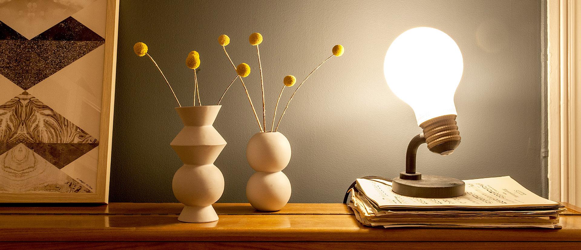 Justpressprint 3d printed Bulb Light on Piano