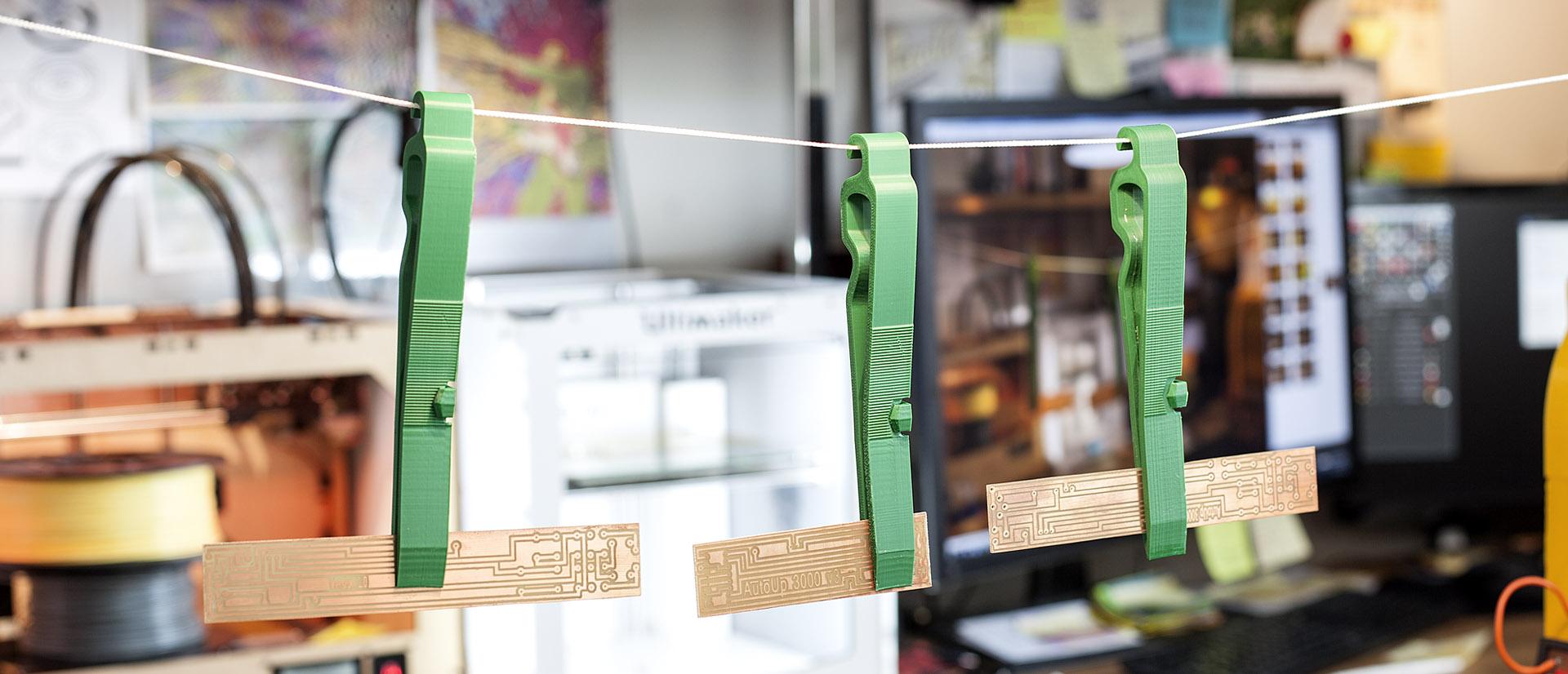 Justpressprint 3d printed tweezers PCB etching hang up hook